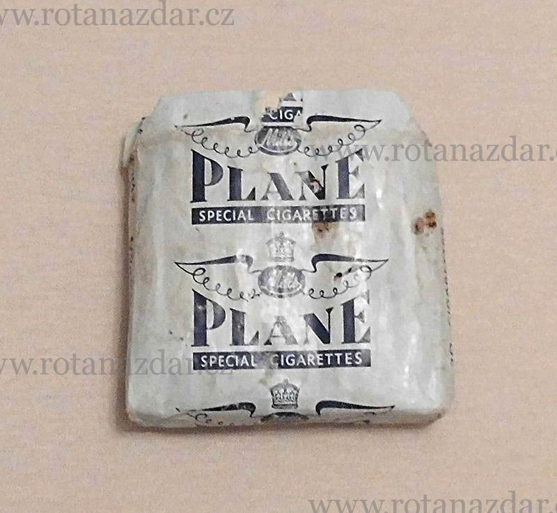 exponát_týdne_cigarety_Plane