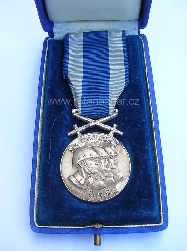 exponát_týdne_-Cs_medaile-za-zasluhy-1943-London