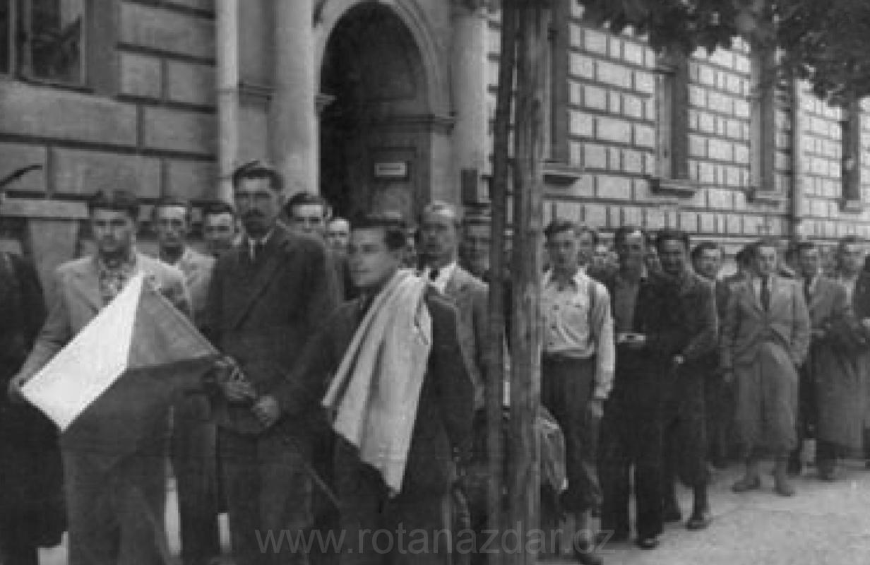 15 Březen 1939 Photo: 15. Březen 1939 A První Muži
